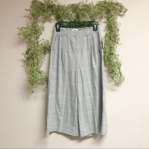 NWT grey Goucho pants